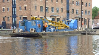 Crane Barge (Used to repairs to Gloucester Lock)
